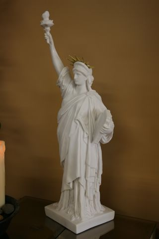 FABULOUS STATUE OF LIBERTY SCULPTURE STATUE